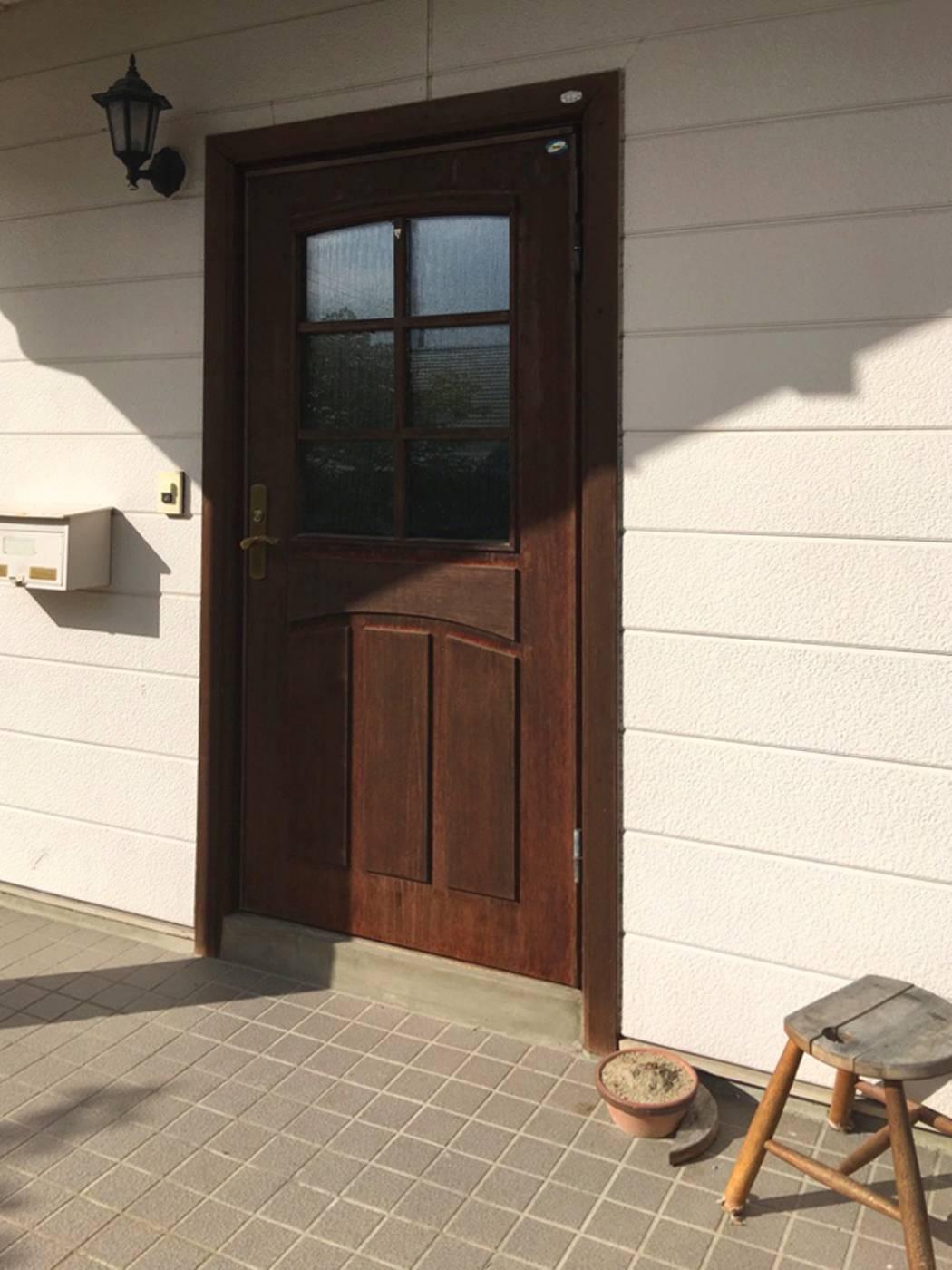 gs019玄関ドア 施工前