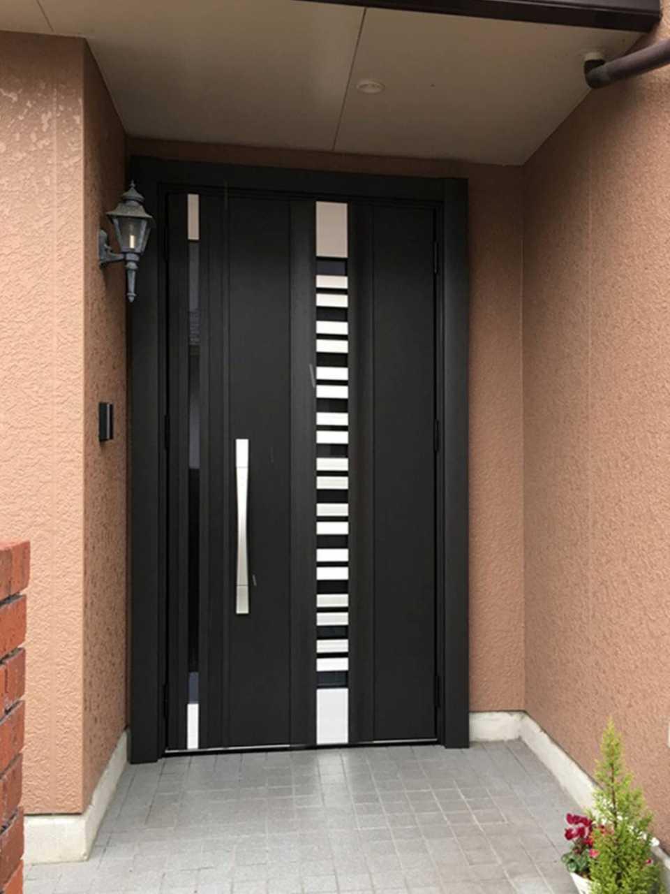 GS020玄関ドア 施工後