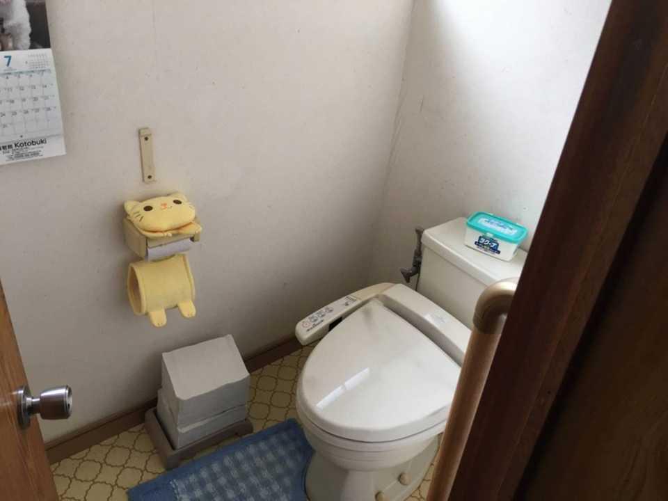 z017トイレ 施工前①